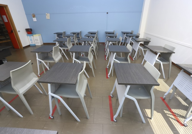 School furniture with Pitagora and Hoth