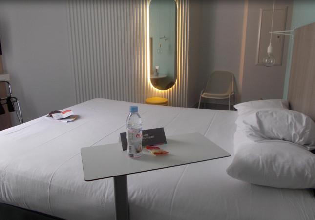 Sibì in IBIS Hotel in Nice